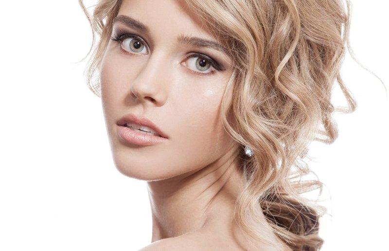 Светлый макияж в телесных оттенках