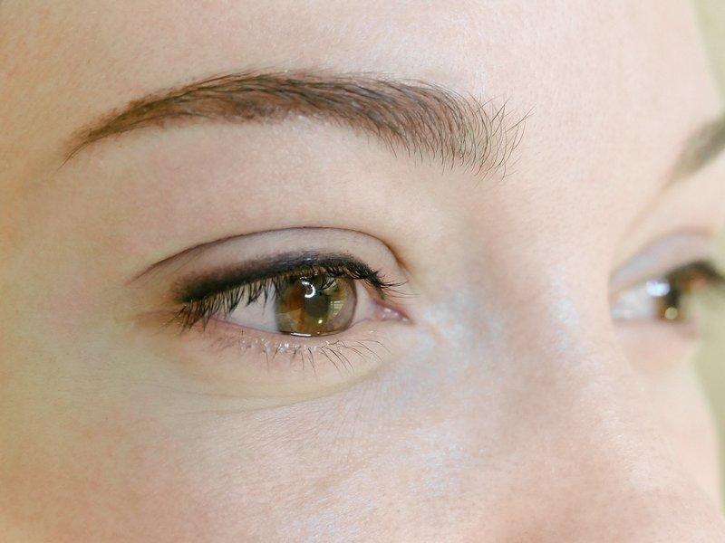 Перманентный макияж век с растушевкой