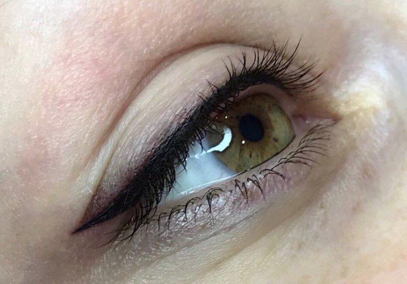 """Перманентный макияж глаз """"стрелки"""""""