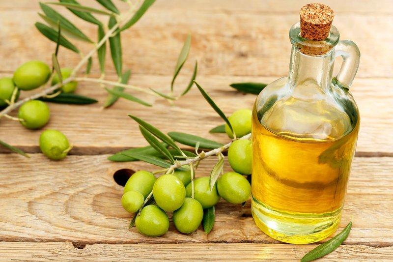 Гладкость волос с оливковым маслом