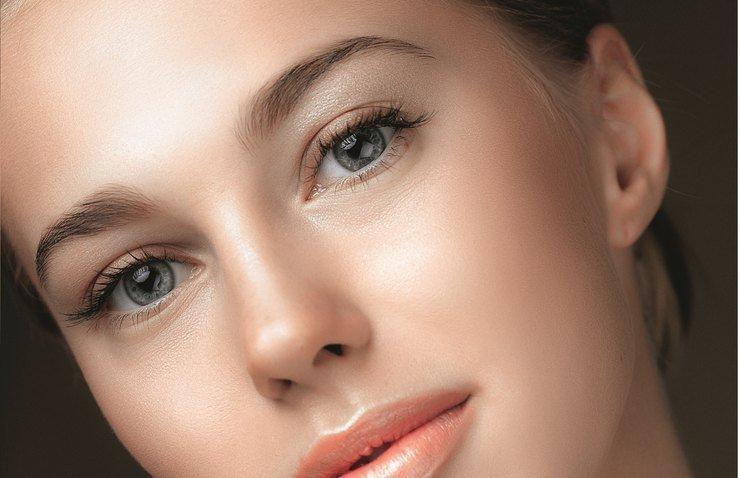 Нежный макияж в персиковых оттенках