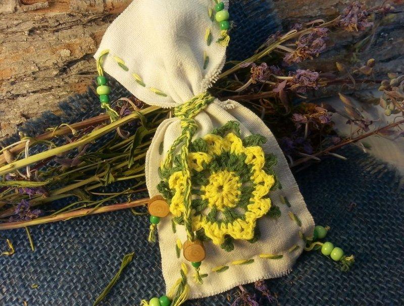 Амулет с травами