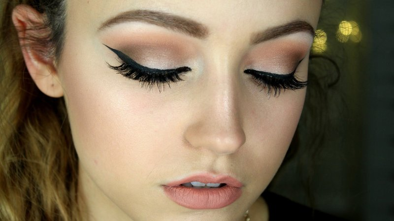 Вечерний макияж с использованием подводки