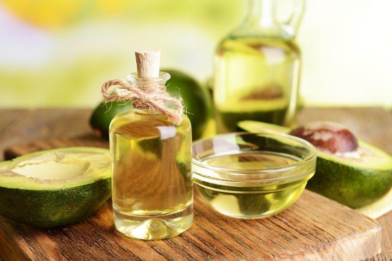 Авокадо и растительное масло для увлажняющей маски