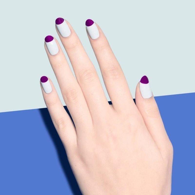 Обратная лунка на ногтях