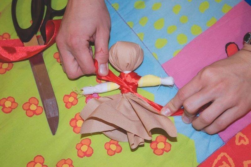 Как сделать куклу-оберег самому