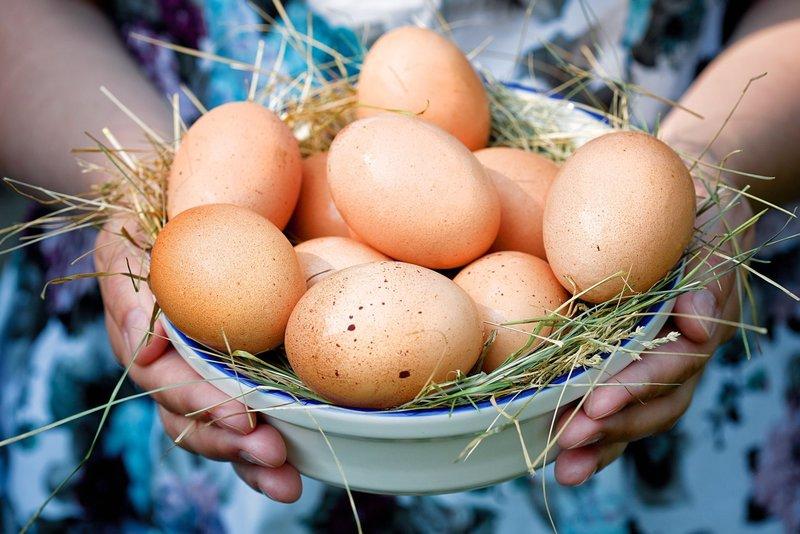 Выкатка порчи яйцом