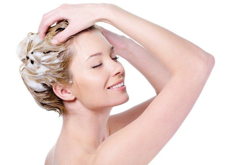 Кефир в составе маски используется для секущихся кончиков волос