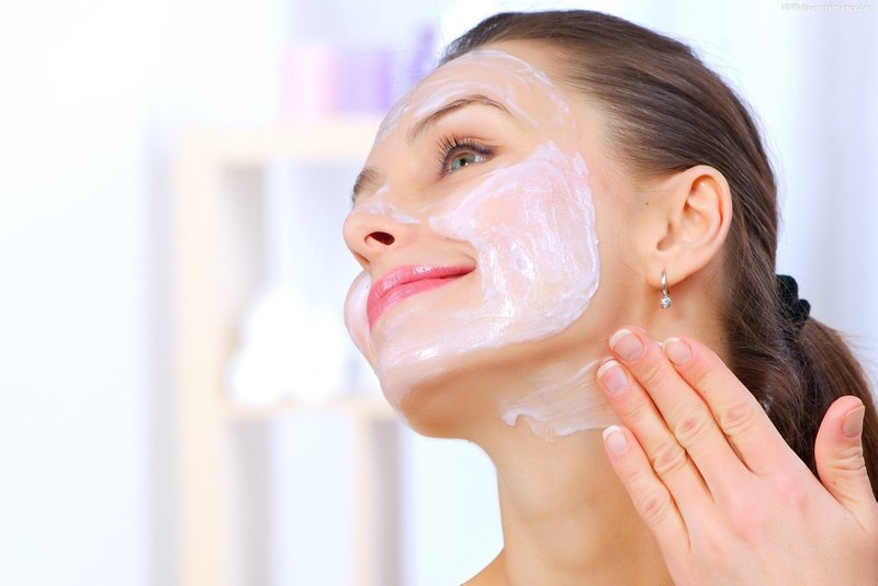 Увлажнение кожи лица пантенолом