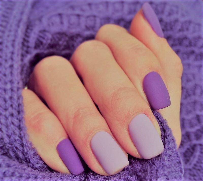 Сиренево-фиолетовое матовое покрытие ногтей