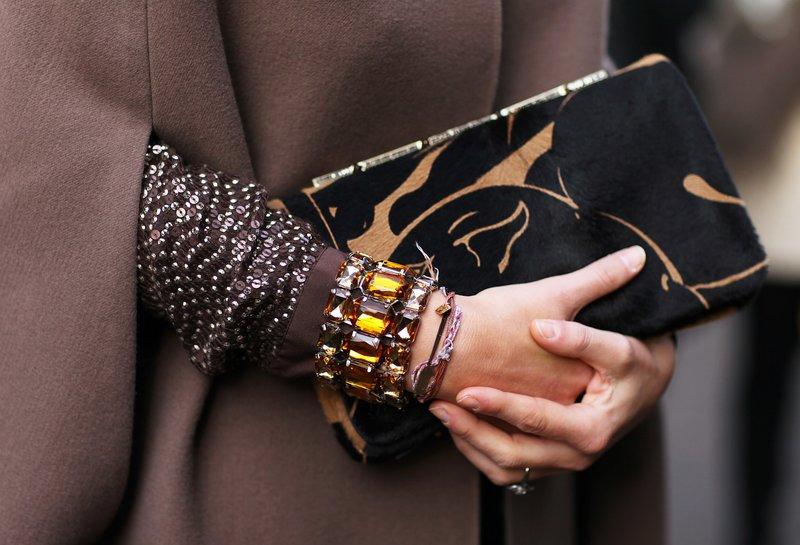 Многослойный браслет с янтарём