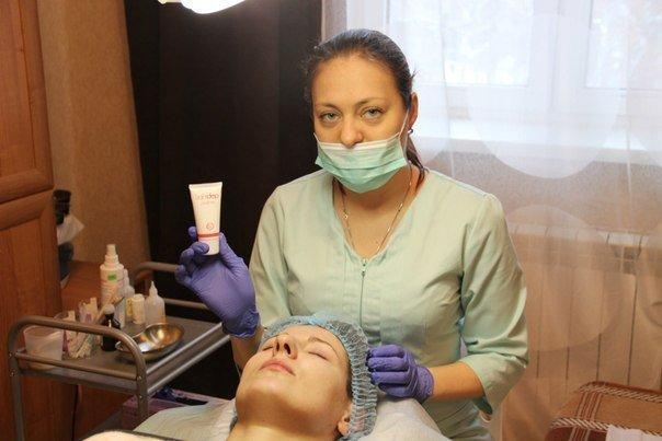 Нанесение местного анестетика в виде крема