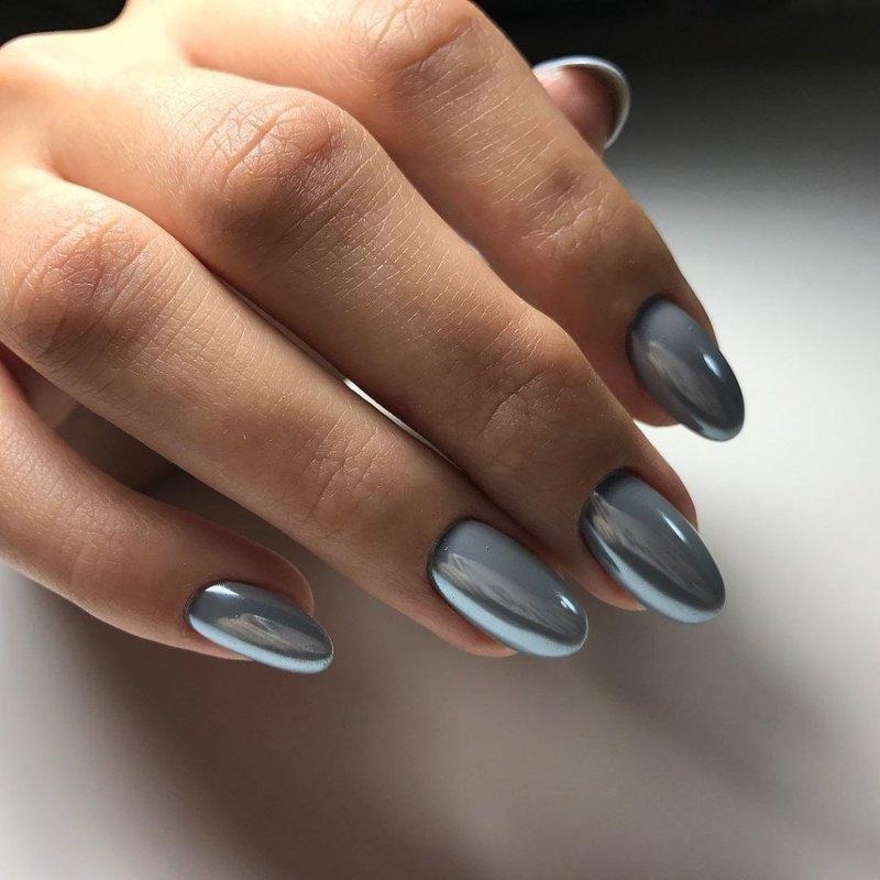 Покрытие ногтей шеллаком в цвете металлик