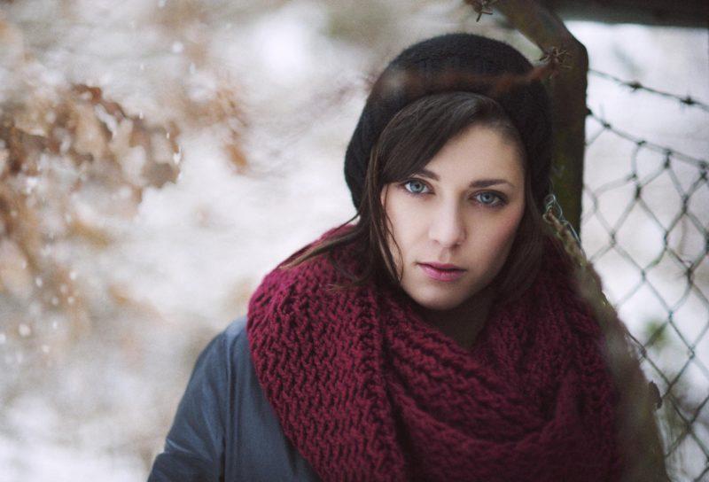 Длинный шарф цвета марсала
