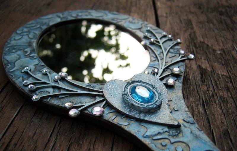 Зеркальце для амулета