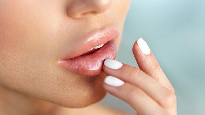 Профилактика синяков на губах после увеличения