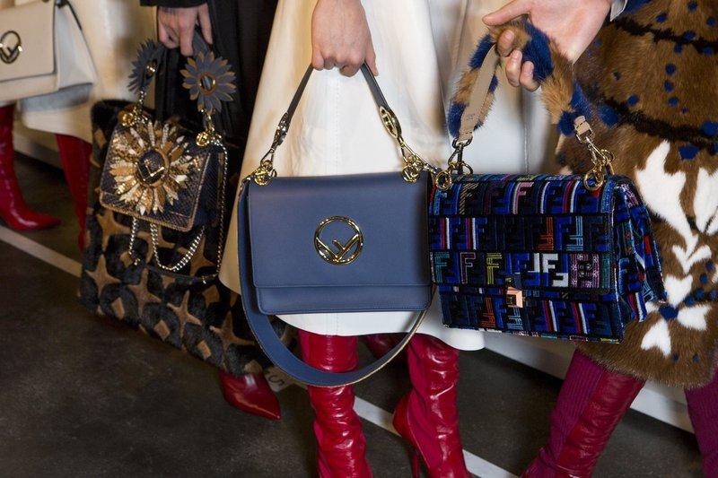Модные сумки с необычными принтами и украшениями