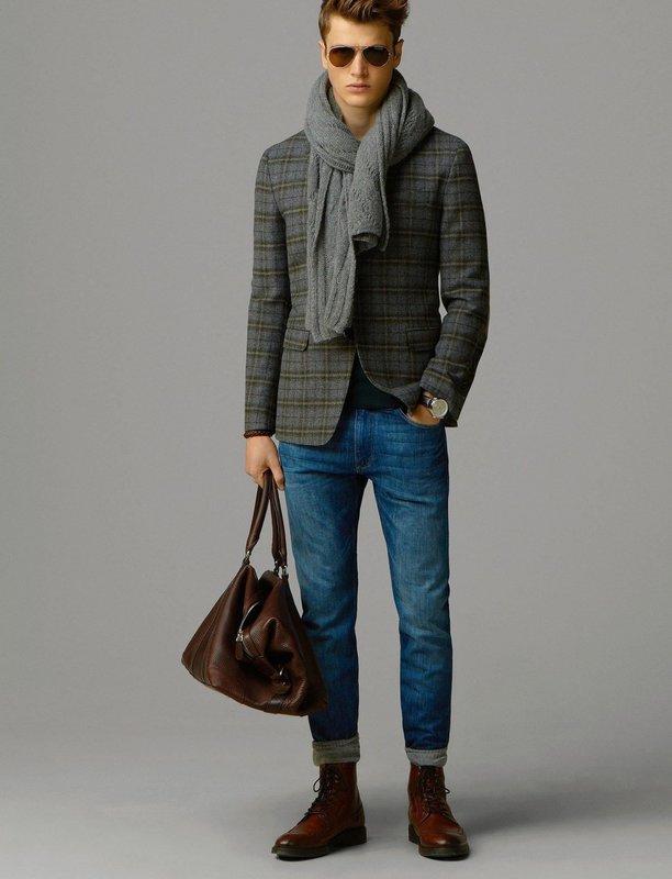 Мужчина в скинни и пиджаке