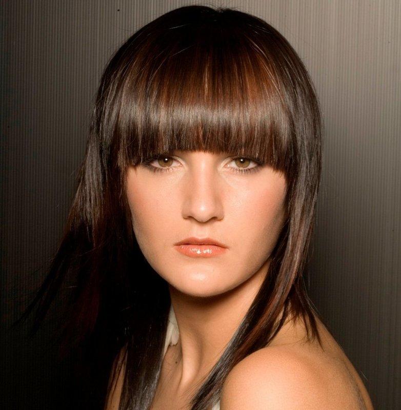Челка полукругом на средние волосы