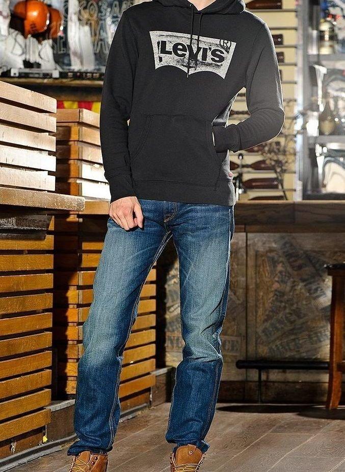 Прямые джинсы для спортивного стиля