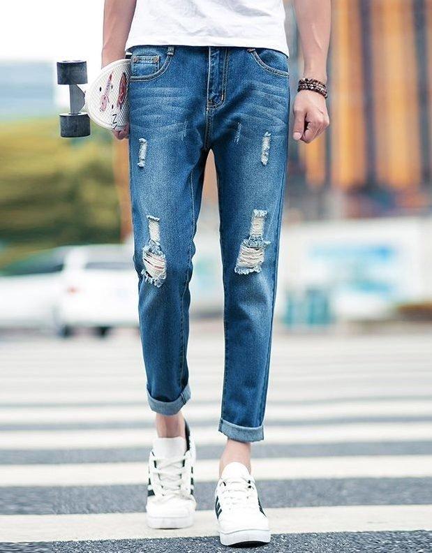 Укороченные отворотом джинсы