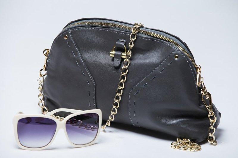 e07380a06123 Самые модные фасоны женских сумок на 2019 год