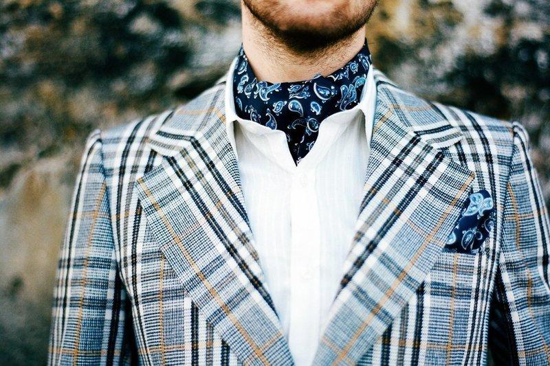 Элегантный платок на шею для мужчин