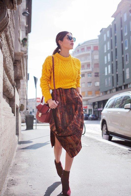 Кроп-свитер с юбкой стритстайл