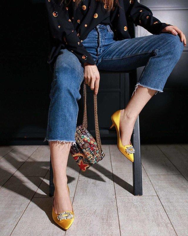 Желтые туфли kitten heels