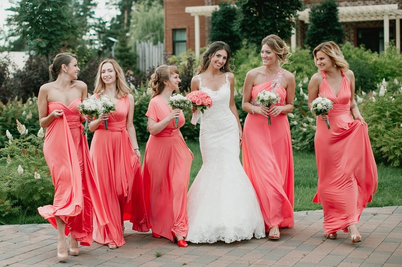 Коралловый цвет на свадьбу
