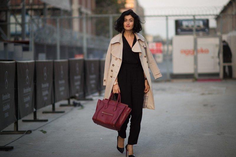 Черные брюки и пальто