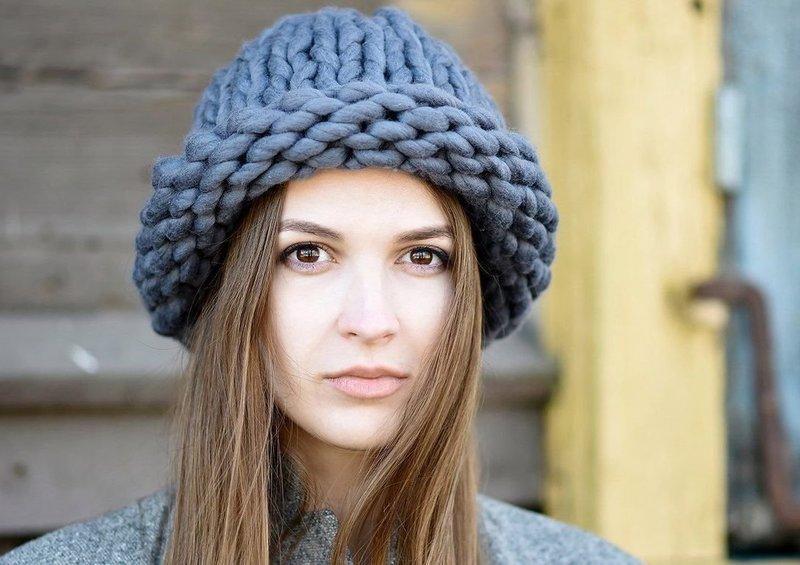 Серая шапка хельсинки