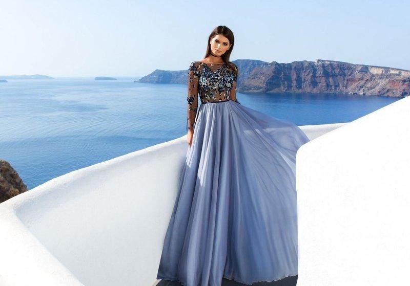 Сиреневое платье с пышной юбкой