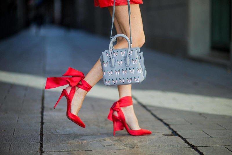 Красные туфли-пуанты
