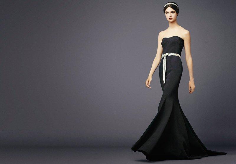 Черное строгое вечернее платье