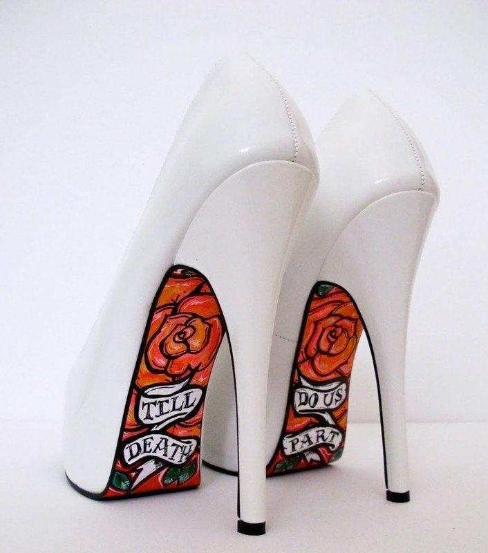 Туфли с художественной росписью на подошве