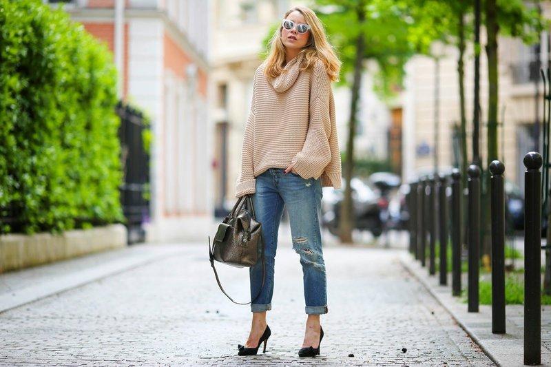 Широкие модели женских джинс