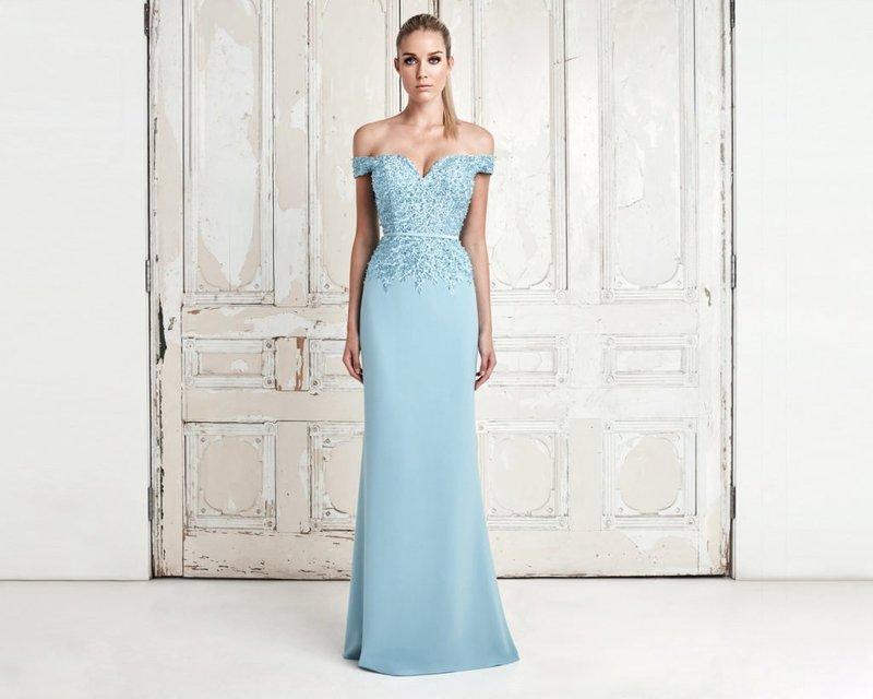 Вечернее нежно-голубое платье