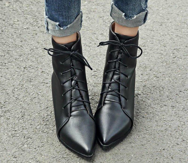 Модная осенняя обувь с острым носком