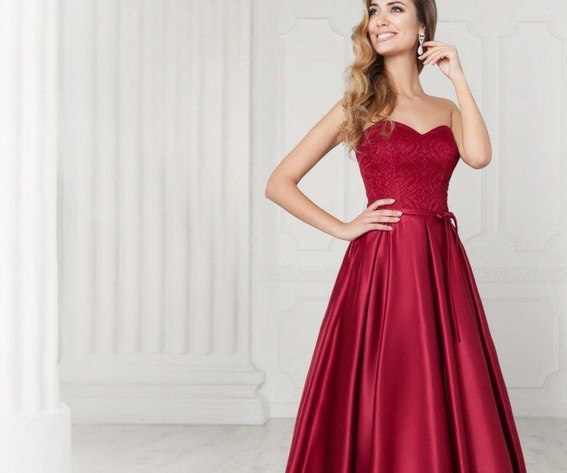 Элегантное красное платье