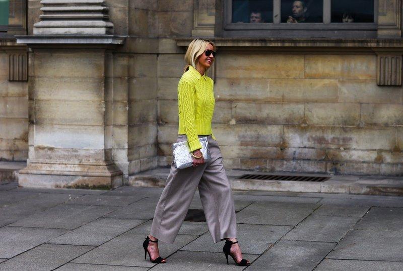Серые брюки-палаццо