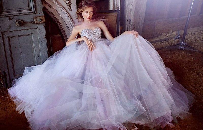Платье цвета сирени