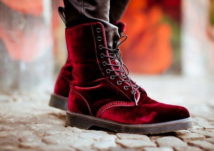 Ботинки со шнуровкой из бархата