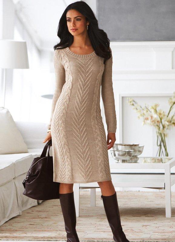 Шерстяное платье прямого пошива