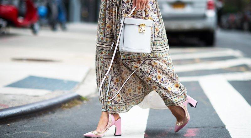 Туфли с открытой пяткой и квадратным каблуком
