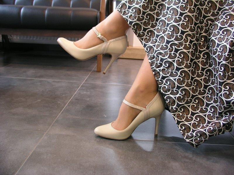 Туфли с одним ремешком