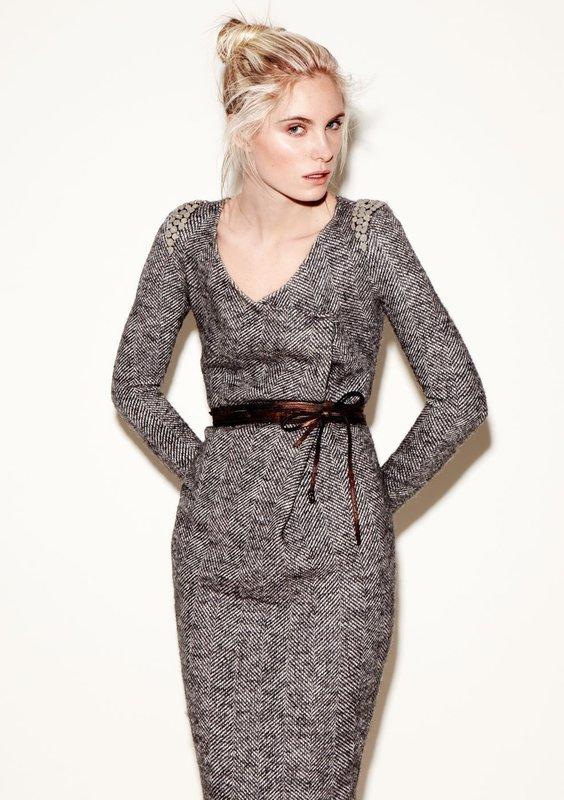 Твидовое платье футляр