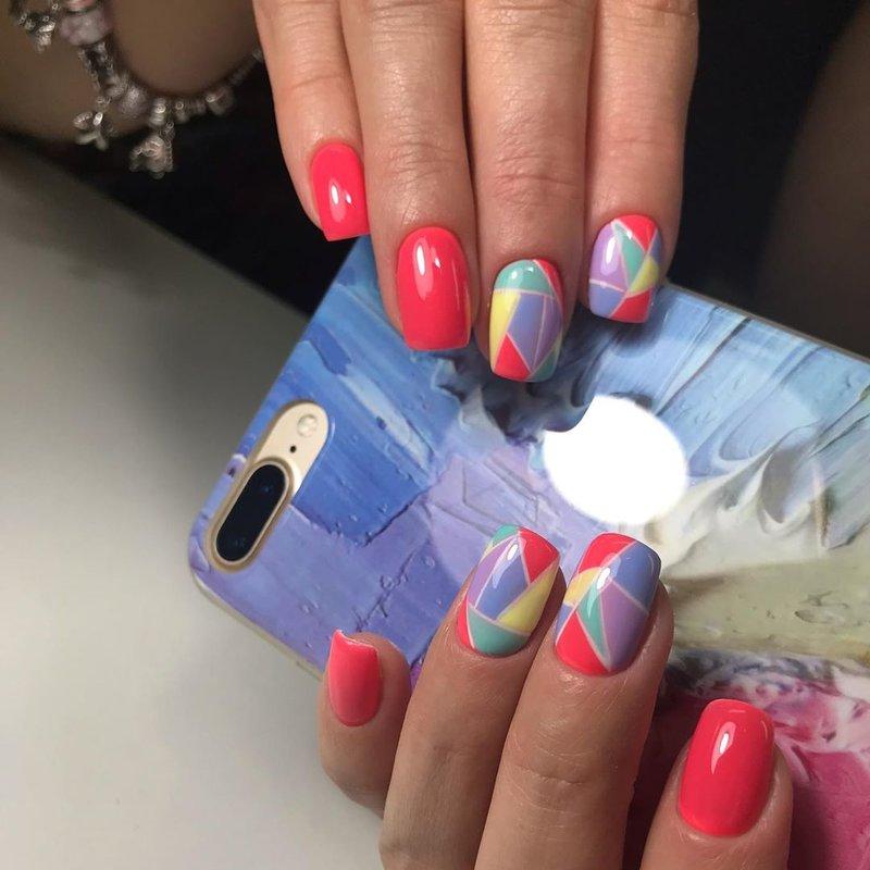 Оранжевые ногти с дизайном мозаика