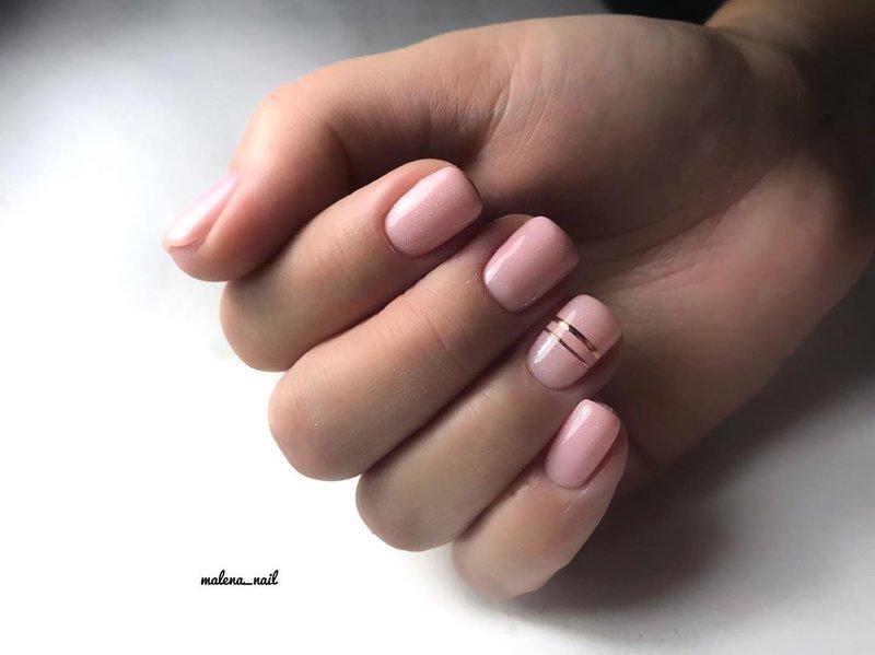 Золотая лента для ногтей