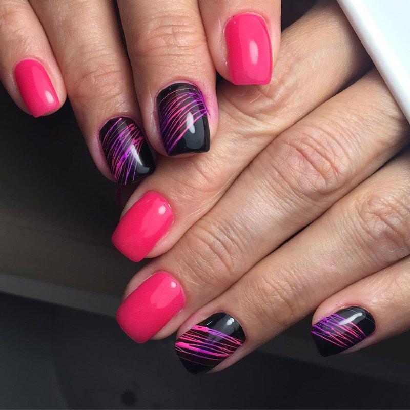 Черные ногти и фуксия